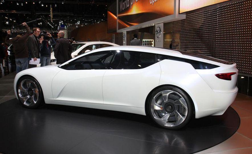 Opel Flextreme GT/E concept - Slide 1