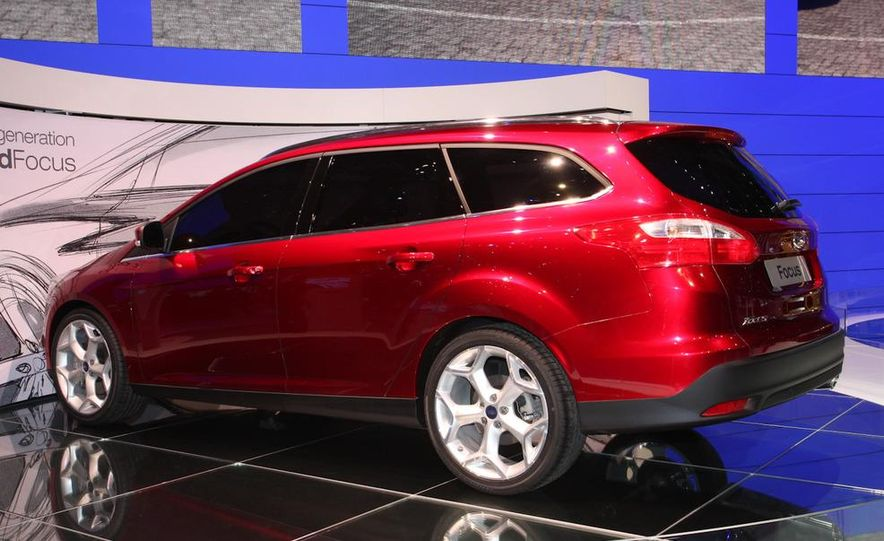 2011 / 2012 Ford Focus wagon (Euro-spec) - Slide 2