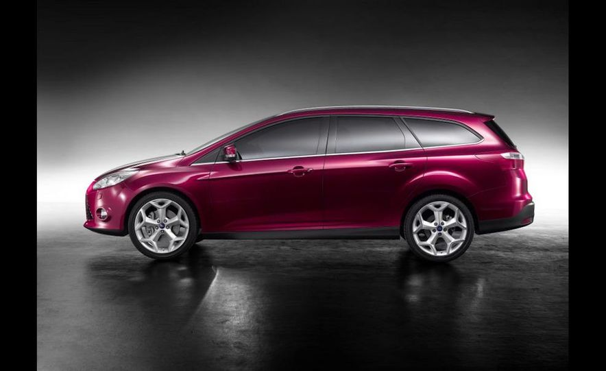 2011 / 2012 Ford Focus wagon (Euro-spec) - Slide 11