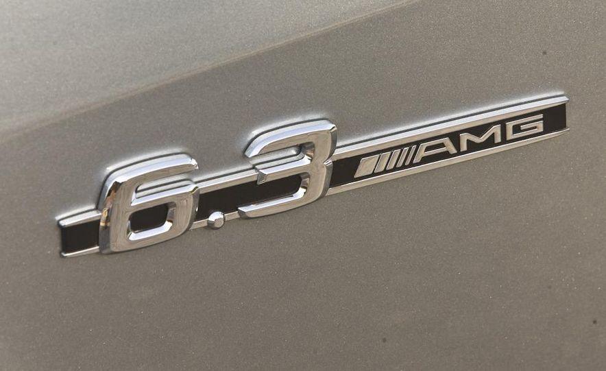 2011 Mercedes-Benz S63 AMG - Slide 16