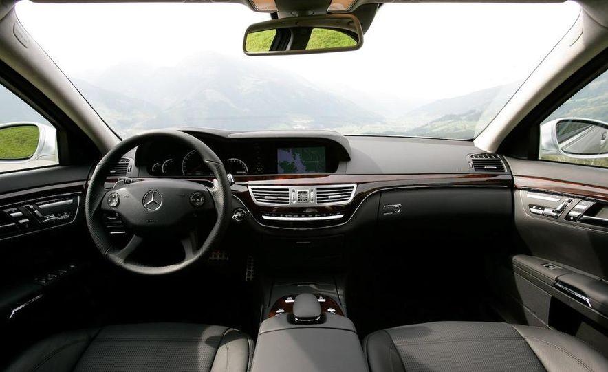 2011 Mercedes-Benz S63 AMG - Slide 19