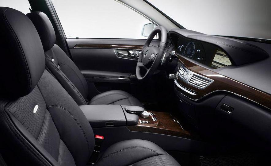 2011 Mercedes-Benz S63 AMG - Slide 21