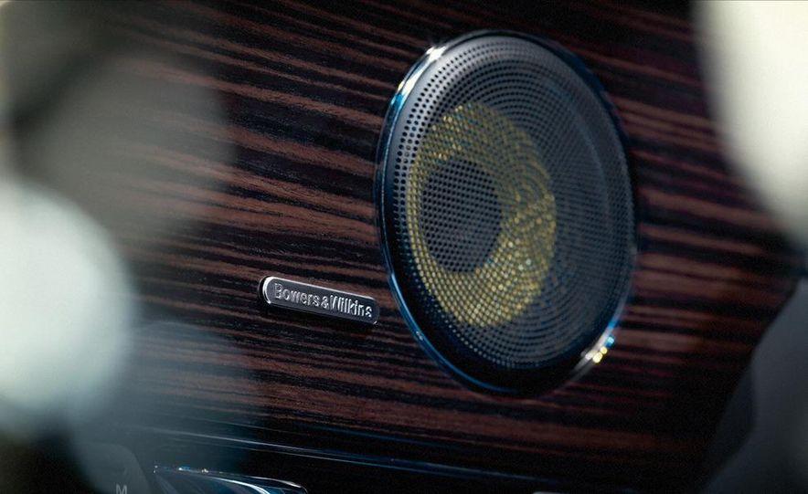2011 Jaguar XJ - Slide 22