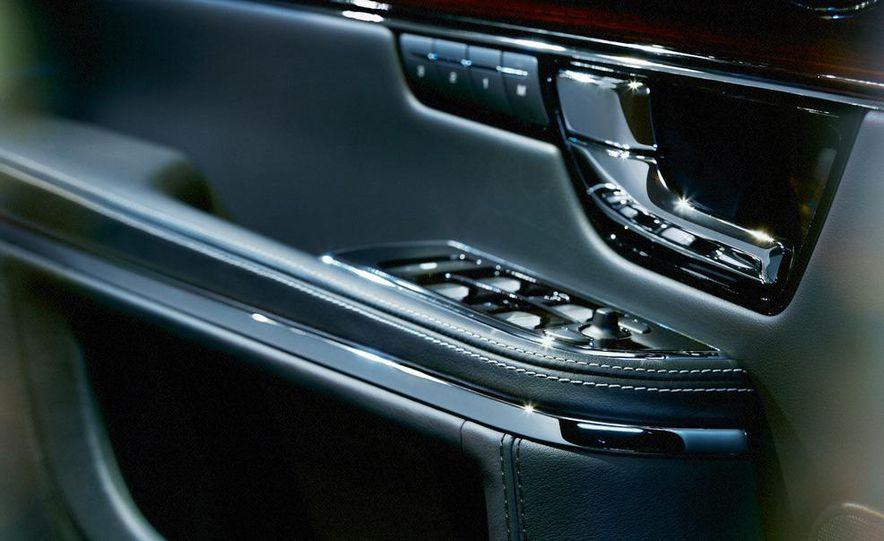 2011 Jaguar XJ - Slide 23