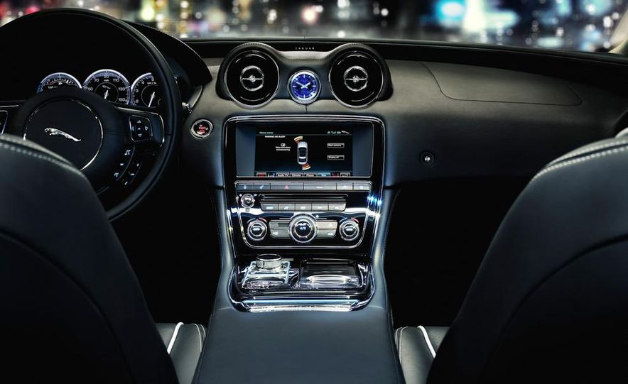 2011 Jaguar XJ - Slide 27