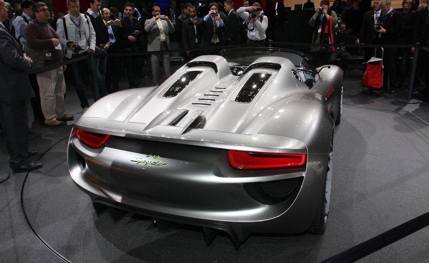Porsche 918 Spyder Plug-In Hybrid concept - Slide 6