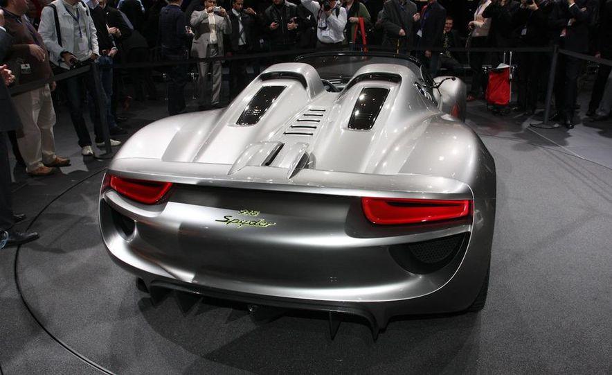 Porsche 918 Spyder Plug-In Hybrid concept - Slide 7