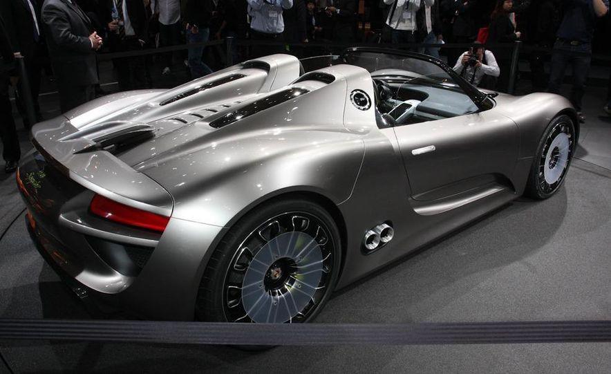 Porsche 918 Spyder Plug-In Hybrid concept - Slide 8