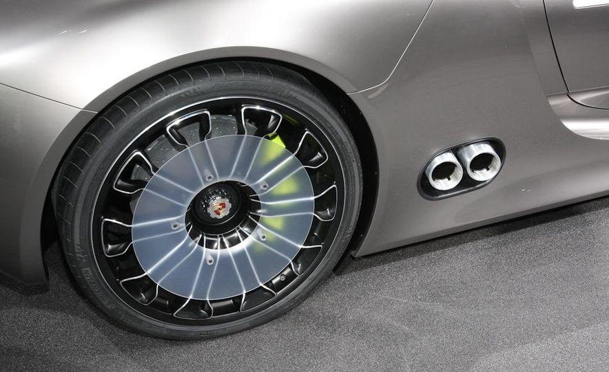 Porsche 918 Spyder Plug-In Hybrid concept - Slide 11