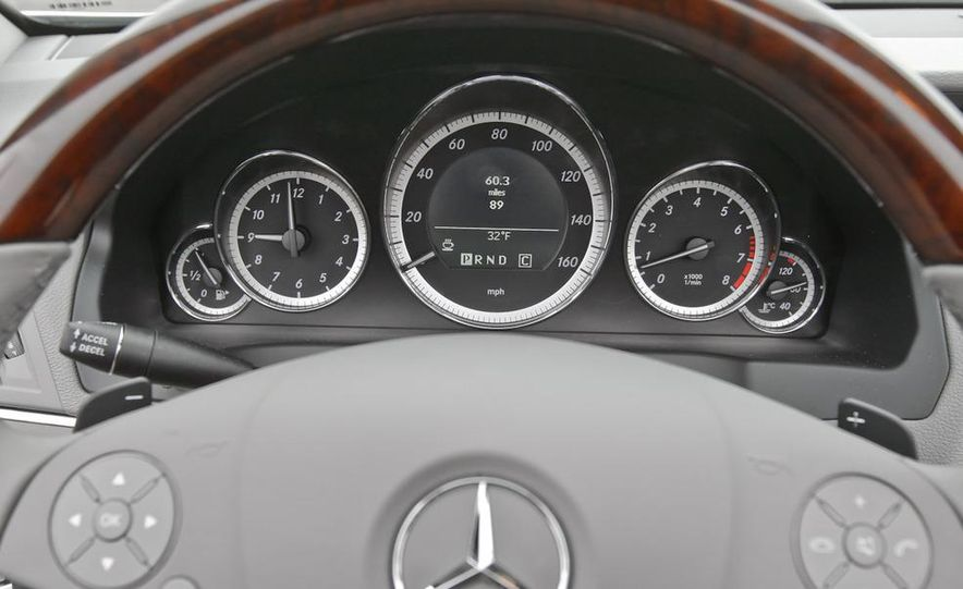 2011 Mercedes-Benz E350 Cabriolet - Slide 30