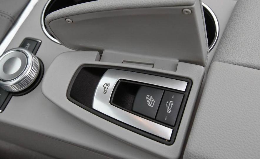 2011 Mercedes-Benz E350 Cabriolet - Slide 34