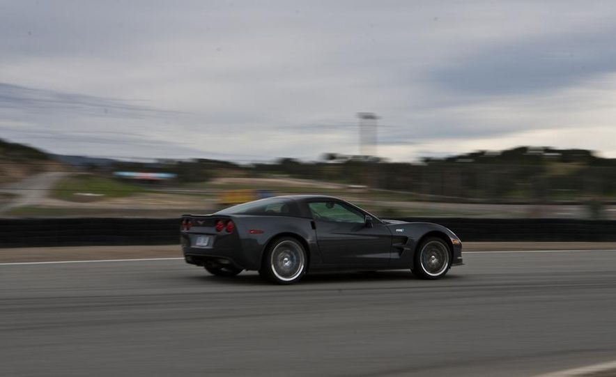 2010 Chevrolet Corvette ZR1 and 2010 Porsche 911 Turbo coupe - Slide 38