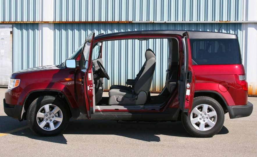 2010 Honda Element EX AWD with Dog Friendly Package - Slide 7
