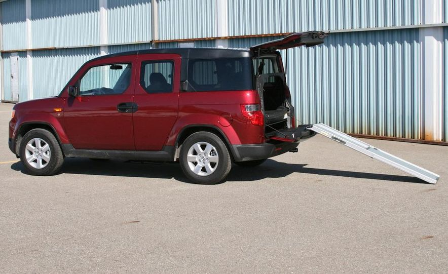 2010 Honda Element EX AWD with Dog Friendly Package - Slide 5