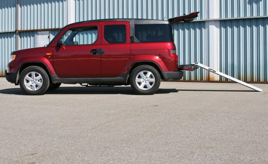 2010 Honda Element EX AWD with Dog Friendly Package - Slide 6