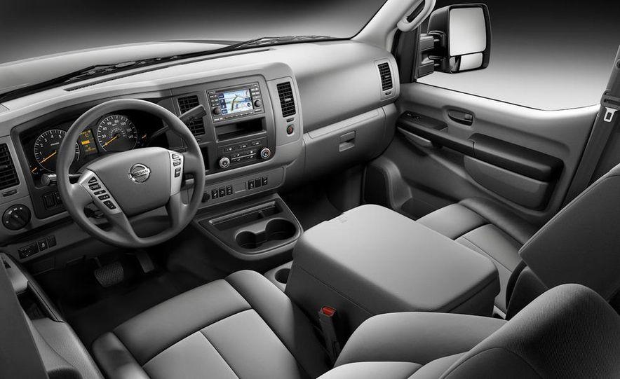 2011 Nissan NV2500/3500 HD - Slide 9