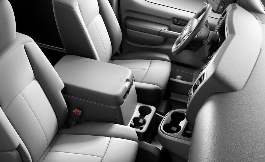 2011 Nissan NV2500/3500 HD - Slide 12