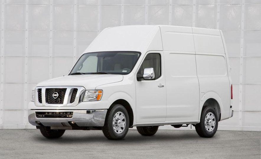 2011 Nissan NV2500/3500 HD - Slide 4