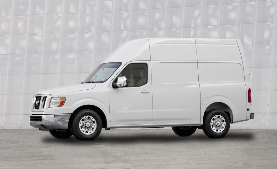 2011 Nissan NV2500/3500 HD - Slide 6