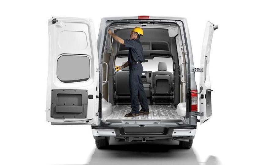 2011 Nissan NV2500/3500 HD - Slide 15