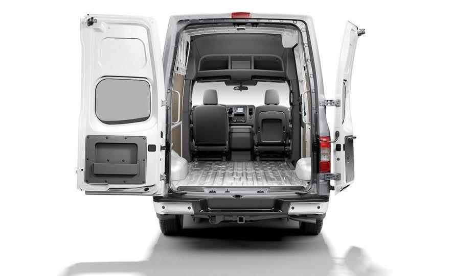 2011 Nissan NV2500/3500 HD - Slide 16