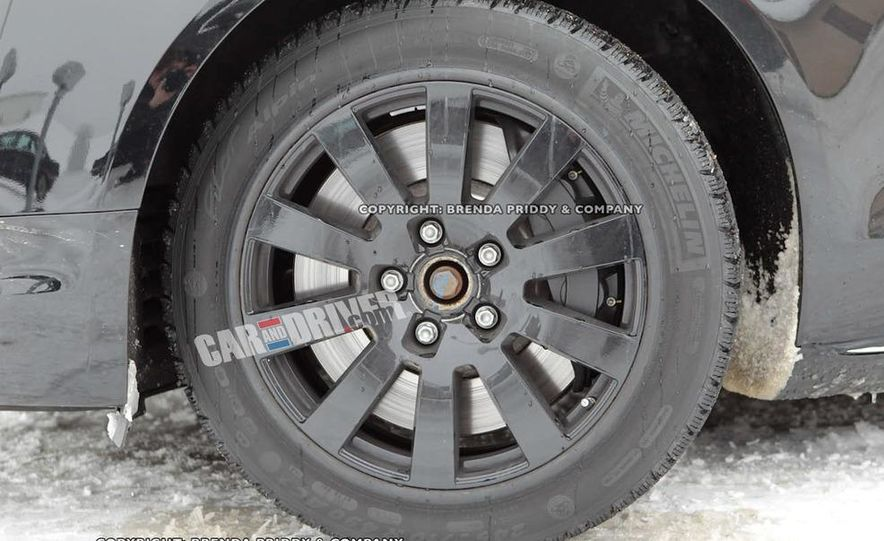 2012 Audi S8 (spy photo) - Slide 3