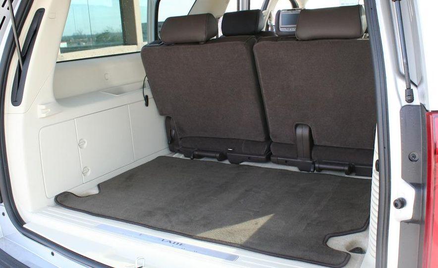2010 Cadillac Escalade ESV Platinum AWD - Slide 50