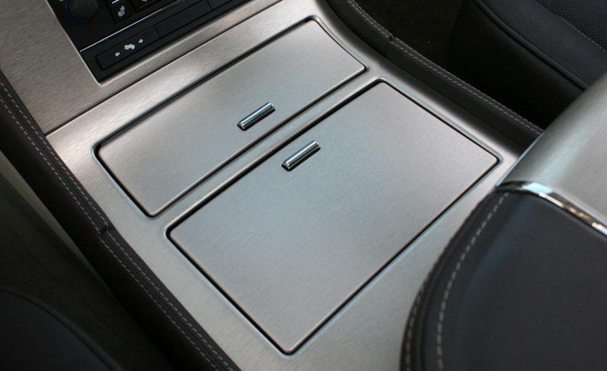 2010 Cadillac Escalade ESV Platinum AWD - Slide 76