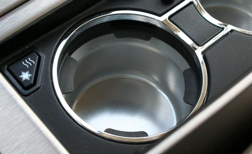 2010 Cadillac Escalade ESV Platinum AWD - Slide 57