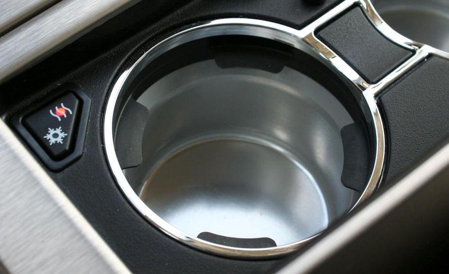2010 Cadillac Escalade ESV Platinum AWD - Slide 58