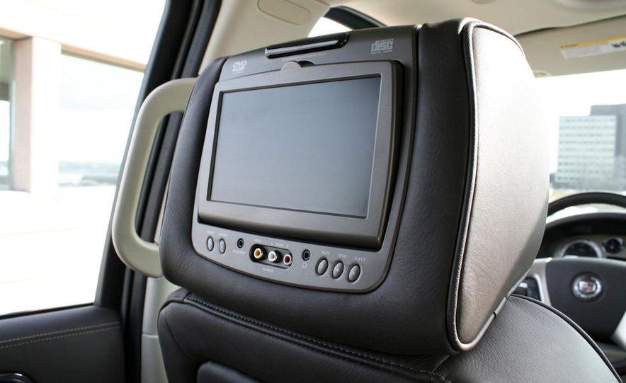 2010 Cadillac Escalade ESV Platinum AWD - Slide 46