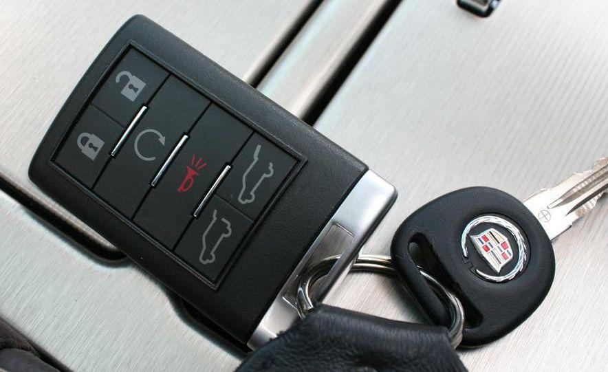 2010 Cadillac Escalade ESV Platinum AWD - Slide 85
