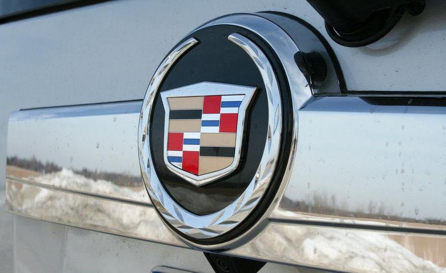 2010 Cadillac Escalade ESV Platinum AWD - Slide 29