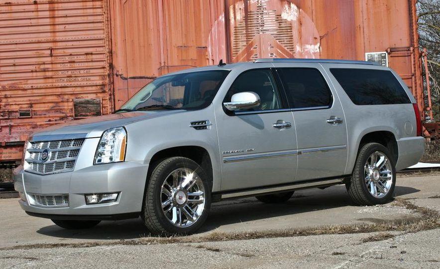 2010 Cadillac Escalade ESV Platinum AWD - Slide 1