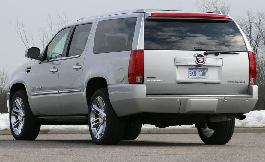 2010 Cadillac Escalade ESV Platinum AWD - Slide 3
