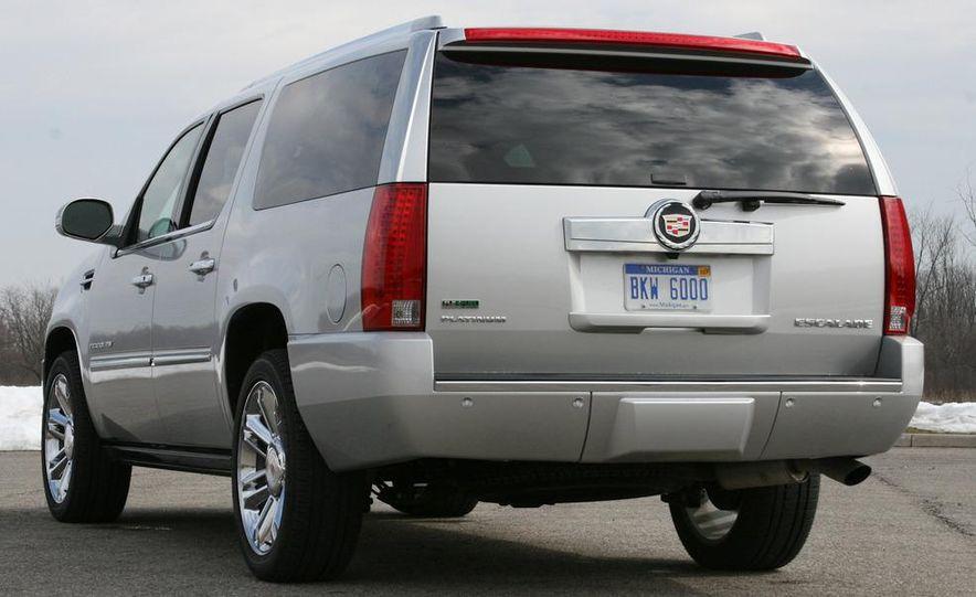 2010 Cadillac Escalade ESV Platinum AWD - Slide 4