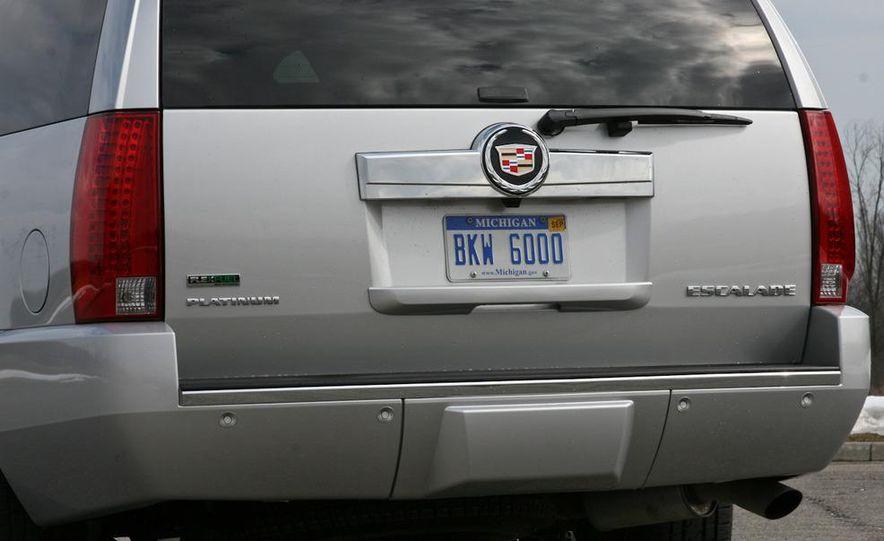 2010 Cadillac Escalade ESV Platinum AWD - Slide 5