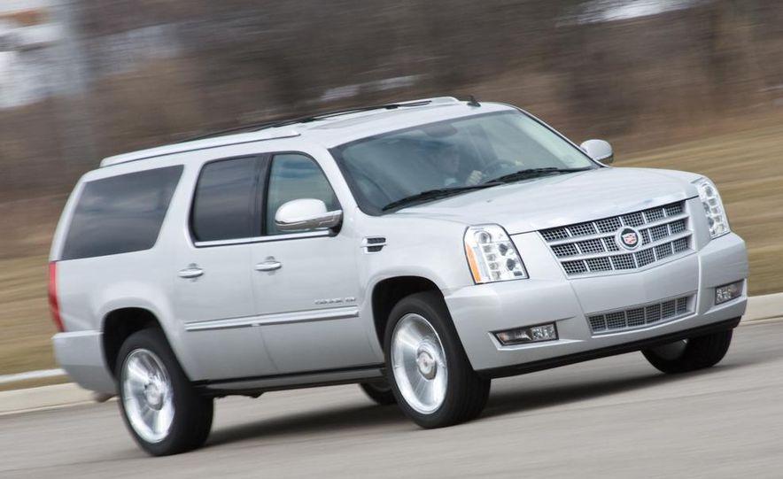 2010 Cadillac Escalade ESV Platinum AWD - Slide 6