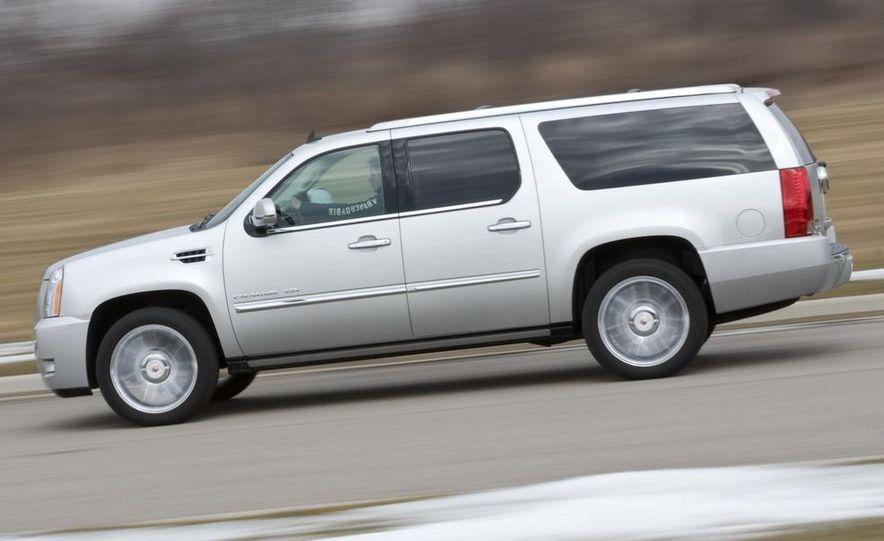 2010 Cadillac Escalade ESV Platinum AWD - Slide 8