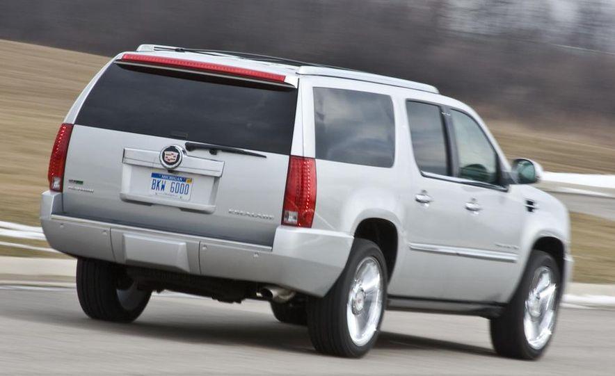 2010 Cadillac Escalade ESV Platinum AWD - Slide 9