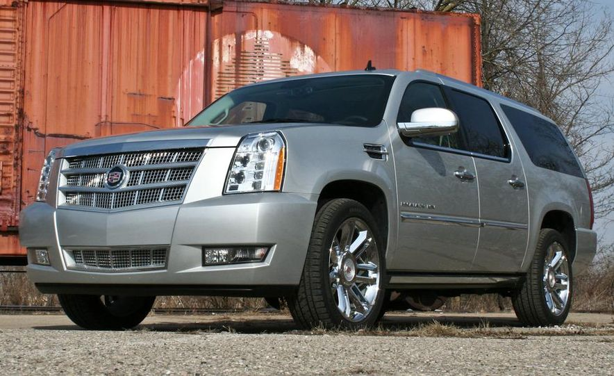 2010 Cadillac Escalade ESV Platinum AWD - Slide 12