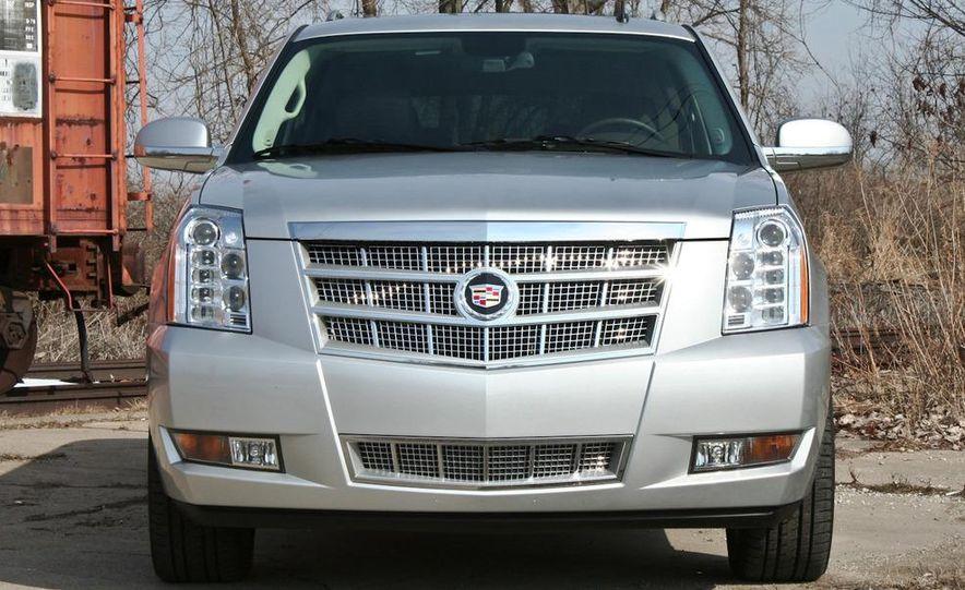 2010 Cadillac Escalade ESV Platinum AWD - Slide 15