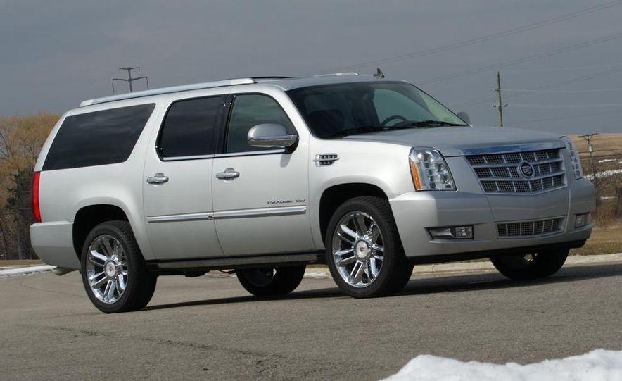 2010 Cadillac Escalade ESV Platinum AWD - Slide 18