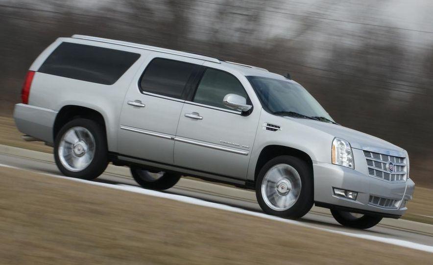 2010 Cadillac Escalade ESV Platinum AWD - Slide 19