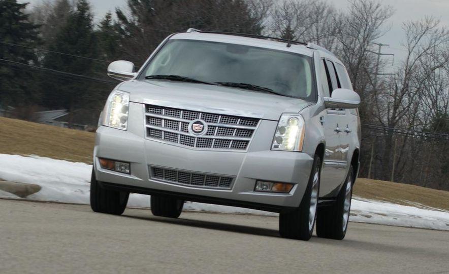 2010 Cadillac Escalade ESV Platinum AWD - Slide 23