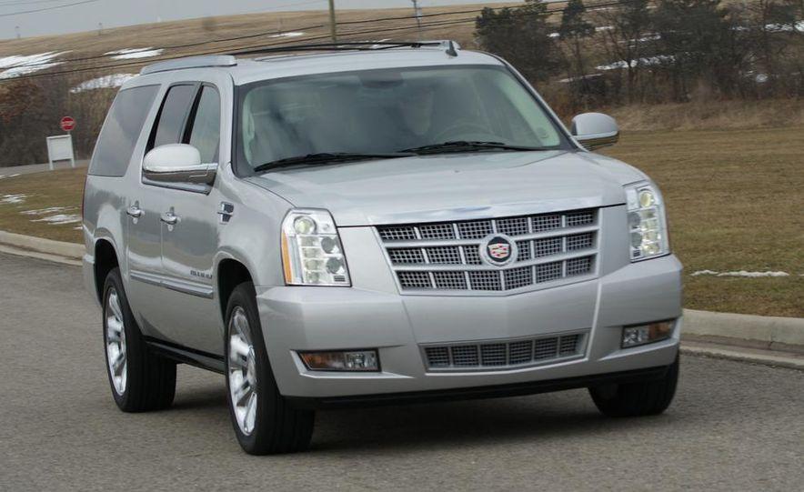2010 Cadillac Escalade ESV Platinum AWD - Slide 24