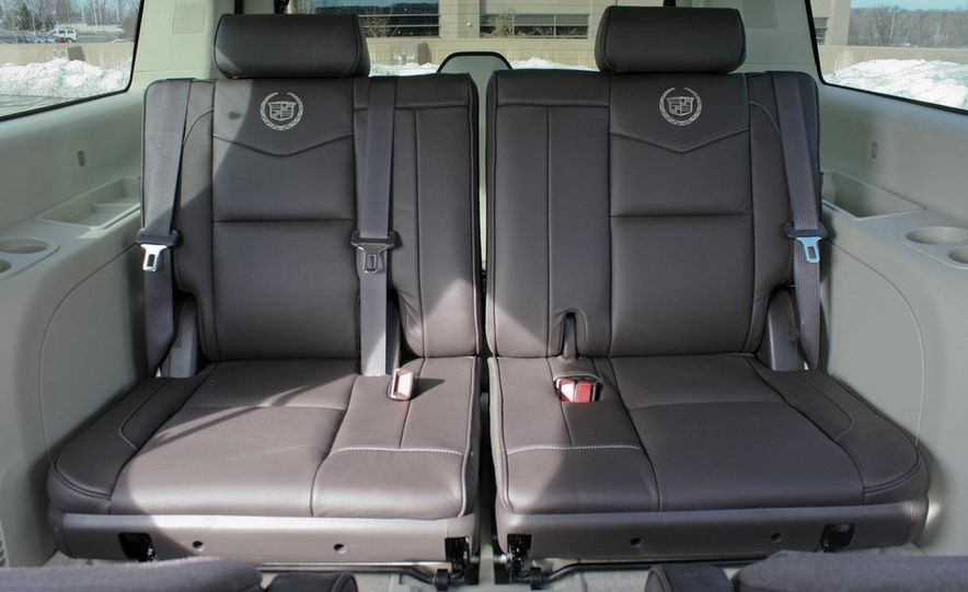 2010 Cadillac Escalade ESV Platinum AWD - Slide 48