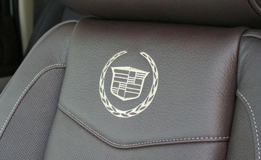 2010 Cadillac Escalade ESV Platinum AWD - Slide 61