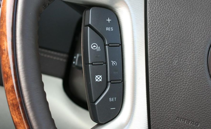 2010 Cadillac Escalade ESV Platinum AWD - Slide 78