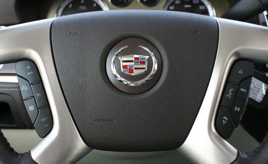 2010 Cadillac Escalade ESV Platinum AWD - Slide 69